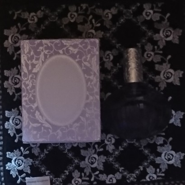 Les Merveilleuses LADUREE(レメルヴェイユーズラデュレ)のレ メルヴェイユーズ ラデュレ コスメ/美容の香水(香水(女性用))の商品写真