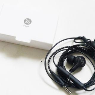 エルジーエレクトロニクス(LG Electronics)のB&O イヤホン LG V30 PALY(ヘッドフォン/イヤフォン)