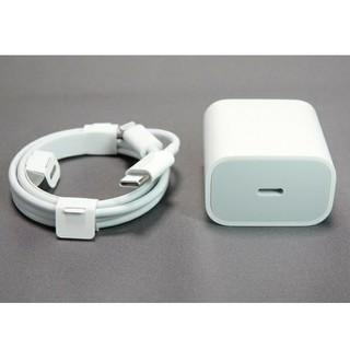 アイフォーン(iPhone)のLightning USB-Cケーブル 18W USB-C電源アダプタ純正品(バッテリー/充電器)