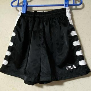 フィラ(FILA)の美品❣️FILA男女兼用ランニングパンツ ・ショートパンツ 光沢生地 ブラック(ウェア)