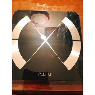 フランフラン(Francfranc)の【美品・翌日発送】Amazonで購入 体重計 アプリ連動 黒 ガラス製(体重計/体脂肪計)