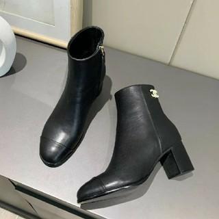 プラダ(PRADA)のPRADA ローファー 革靴 (ローファー/革靴)