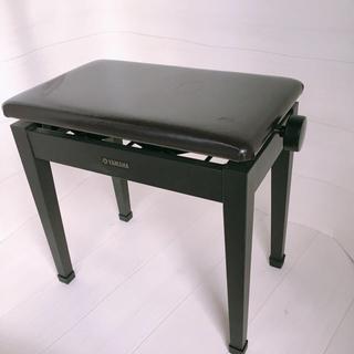 ヤマハ(ヤマハ)の【送料無料】ピアノ椅子A 電子ピアノ チェアー 台 黒 高さ調整 (電子ピアノ)