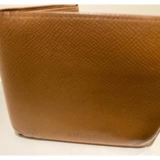 ブルガリ(BVLGARI)の送料無料!【内ポケットにダメージがある為格安♪】ブルガリ二つ折り財布 ブラウン(折り財布)