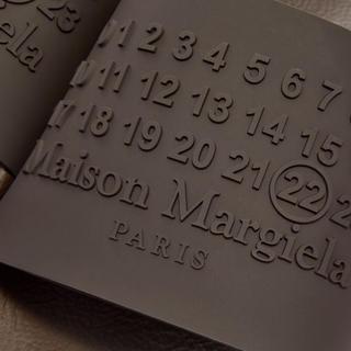 マルタンマルジェラ(Maison Martin Margiela)の【国内未発売カラー】Margiela マルジェラ ロゴスライズ ブラウン 27(サンダル)