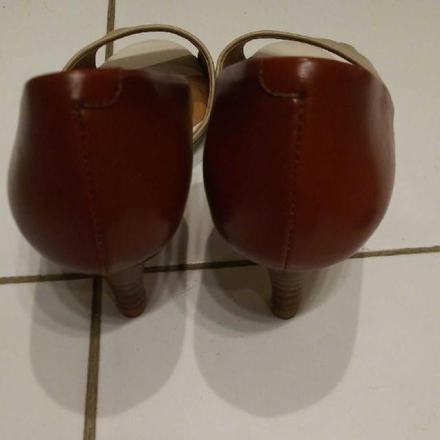 AU BANNISTER(オゥバニスター)の美品! 本革 AU BANNISTER サンダル 6cmヒール レディースの靴/シューズ(サンダル)の商品写真