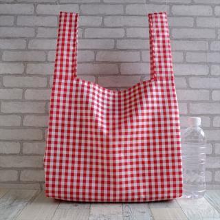 普段使いにちょうどいいサイズのレジ袋型エコバッグ 赤チェック×黒タグ(バッグ)