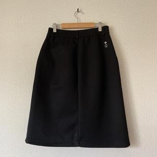 ハイク(HYKE)のHYKE adidasコラボ スカート(ひざ丈スカート)