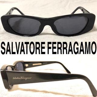 サルヴァトーレフェラガモ(Salvatore Ferragamo)のSalvatore  Ferragamo スクエア サングラス ロゴ イタリア製(サングラス/メガネ)