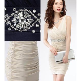 ジュエルズ(JEWELS)のカシュクールタイト光沢ドレス(ミディアムドレス)