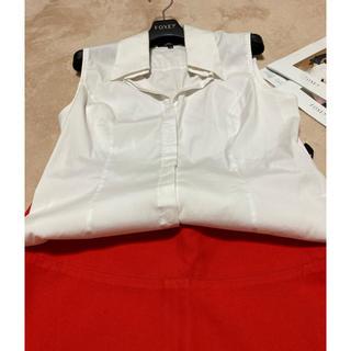 フォクシー(FOXEY)のフォクシーホワイトブラウス42ロゴいり(シャツ/ブラウス(半袖/袖なし))
