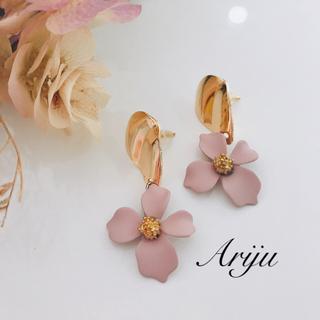 1005 Flower pinkbeige pierce/earring(ピアス)