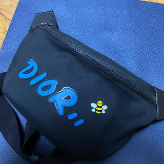 ディオールオム(DIOR HOMME)の超美品 本物 Dior Kaws ボディバッグ ウエスト ディオール カウズ(ボディーバッグ)