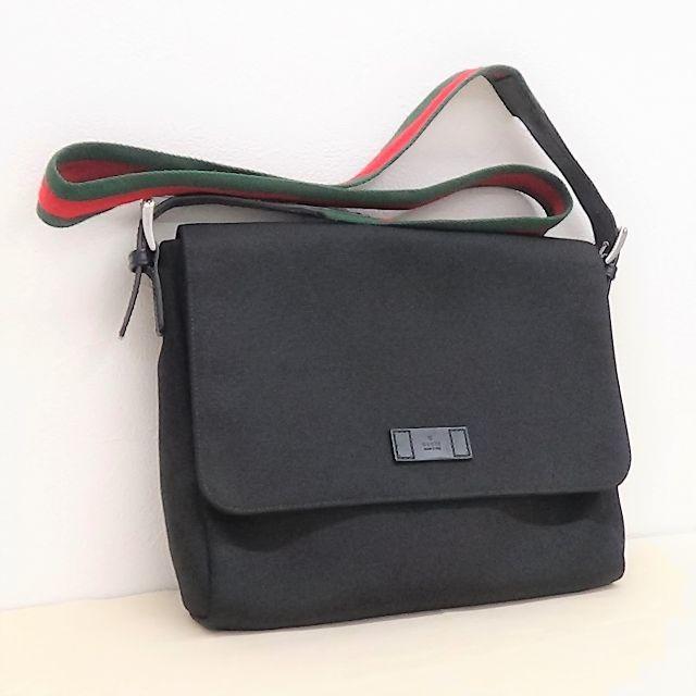 Gucci(グッチ)のグッチのメッセンジャーバッグ 美品です    メンズのバッグ(メッセンジャーバッグ)の商品写真