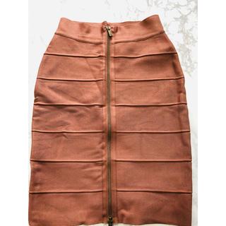 ビーシービージーマックスアズリア(BCBGMAXAZRIA)のBCBGMAXAZRIAタイトスカート 値下げ中(ひざ丈スカート)