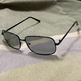 098 シックなデザイン 紫外線で色が変わる 調光サングラス 偏光 UVカット(サングラス/メガネ)