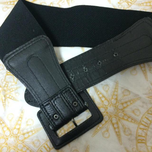 黒ベルト(合皮×ゴム) レディースのファッション小物(ベルト)の商品写真