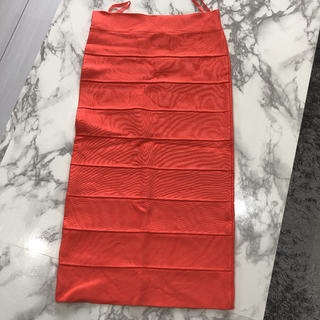 ビーシービージーマックスアズリア(BCBGMAXAZRIA)の値下げ中 BCBGMAXAZRIAタイトスカート(ひざ丈スカート)