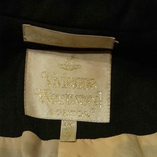 ヴィヴィアンウエストウッド(Vivienne Westwood)のvivienneジャケットタグ箇所(テーラードジャケット)