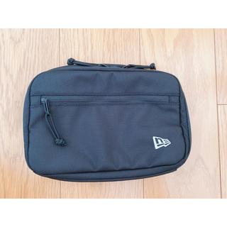 ニューエラー(NEW ERA)のニューエラ コスメティックポーチ ブラック(トラベルバッグ/スーツケース)