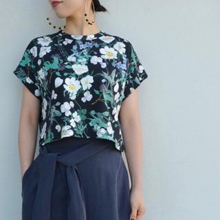 マメ(mame)のmame フラワープリントTシャツ(Tシャツ(半袖/袖なし))