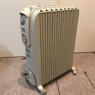 デロンギ(DeLonghi)のオイルヒーター(オイルヒーター)