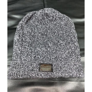 ドルチェアンドガッバーナ(DOLCE&GABBANA)のDOLCE&GABBANA ロゴプレート付き ニットキャップ(ニット帽/ビーニー)