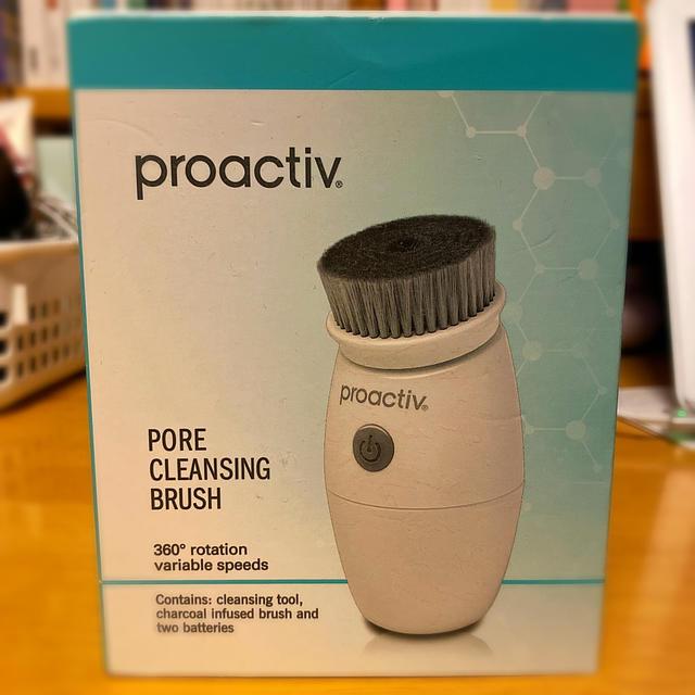 proactiv(プロアクティブ)のプロアクティブ ポアクレンジングブラシ スマホ/家電/カメラの美容/健康(フェイスケア/美顔器)の商品写真