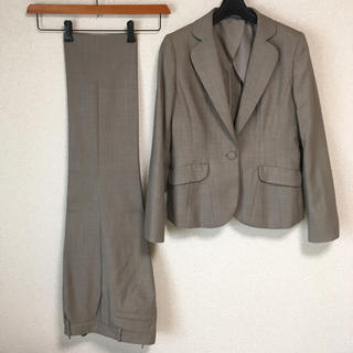 アオヤマ(青山)のアンカーウーマン 9 パンツスーツ W78 春秋夏 DMW 未使用に近い(スーツ)