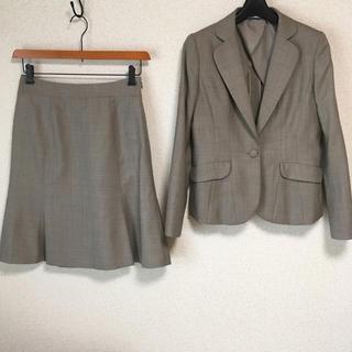 アオヤマ(青山)のアンカーウーマン 9 スカートスーツ W68 春秋夏 DMW 未使用に近い(スーツ)