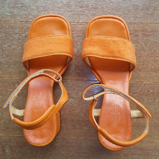 アシナガオジサン(あしながおじさん)の靴(サンダル)