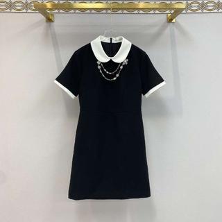 ミュウミュウ(miumiu)の☆MIU MIU☆ パール×クリスタルフラワー装飾・Aラインドレス♪(ひざ丈ワンピース)