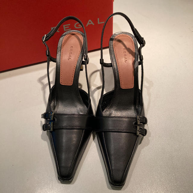 REGAL(リーガル)の新品・REGAL・バックストラップパンプス・23.5㎝・定価19,800円 レディースの靴/シューズ(ハイヒール/パンプス)の商品写真
