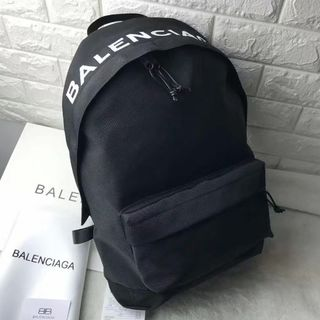 Balenciaga - メンズ バレンシアガ  刺繍  バックパック 黒