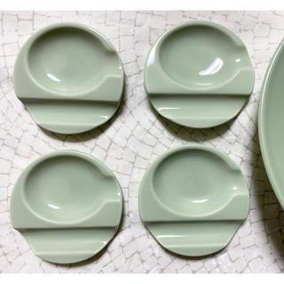 イッタラ(iittala)の美濃焼 ダブルレスト まる スプーン置 セラドングリーン 4枚(食器)
