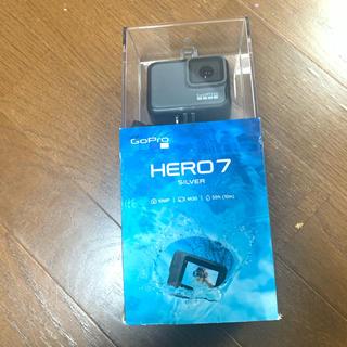 ゴープロ(GoPro)のgopro Hero7 silver 新品 SDカード付き(コンパクトデジタルカメラ)
