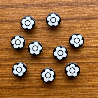 マリークワント(MARY QUANT)のMARY QUANT ボタン 9個 1.1cm程(各種パーツ)
