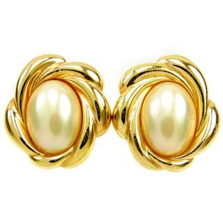 ディオール(Dior)のDior  イヤリング  アクセサリー  パールベージュ×ゴールド(イヤリング)