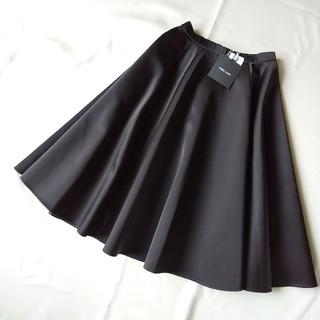 バーニーズニューヨーク(BARNEYS NEW YORK)のmei様専用ヨーコチャン 新品タグ付き サテン フレアスカート (ひざ丈スカート)