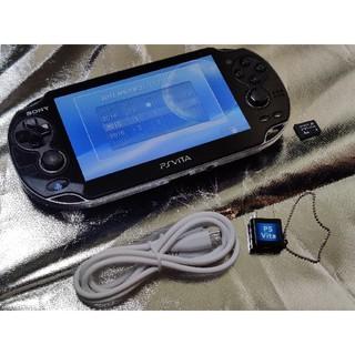 ソニー(SONY)のPS Vita PCH-1100 保護ケース、メモリカード4GB、ソフト付き(携帯用ゲーム機本体)