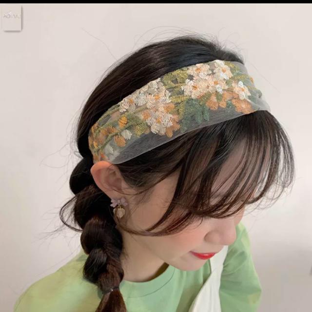 ZARA(ザラ)の刺繍 ヘアバンド 花柄 韓国 ターバン レディースのヘアアクセサリー(ヘアバンド)の商品写真