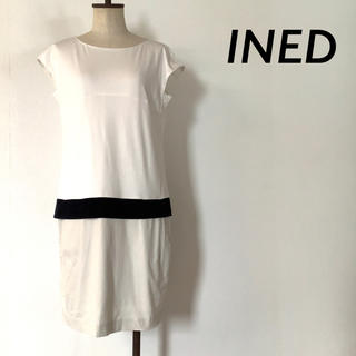 イネド(INED)のINED フレンチ スリーブ デザイン ワンピース ホワイト(ひざ丈ワンピース)