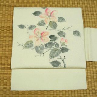 白地にピンクの花と葉 名古屋帯(帯)