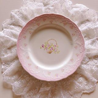 ローラアシュレイ(LAURA ASHLEY)のお値下げ新品♡イマン♡ローズバスケットプレートお皿マニーローズ薔薇ロココ(食器)