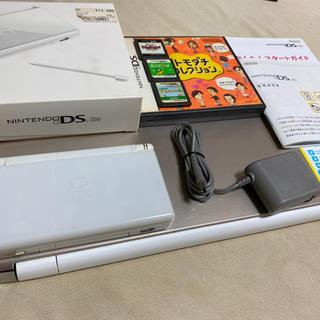 ニンテンドーDS(ニンテンドーDS)の任天堂DS 本体 liteホワイト 箱 説明書付 ソフト4点 充電 あつもり等(携帯用ゲーム機本体)