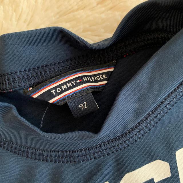 TOMMY HILFIGER(トミーヒルフィガー)のトミーラッシュガード90 キッズ/ベビー/マタニティのキッズ服男の子用(90cm~)(水着)の商品写真