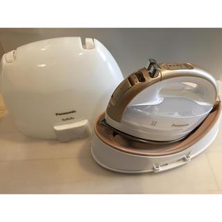 パナソニック(Panasonic)の2018年製 パナソニック コードレススチームアイロン NI-WL704 (アイロン)