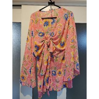 フォーエバートゥエンティーワン(FOREVER 21)のフォーエバー21 ビーチ リゾートビキニの羽織りに 速乾 花柄 浴衣袖(水着)