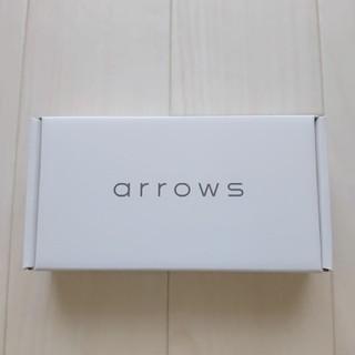 アローズ(arrows)のarrows M05 ホワイト 新品未開封(スマートフォン本体)