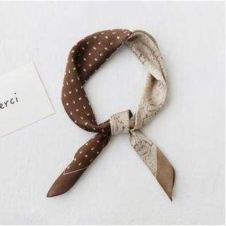 アメリヴィンテージ(Ameri VINTAGE)のブラウン ベージュ ハーフデザインスカーフ  ドット ペイズリー ハンカチ (バンダナ/スカーフ)